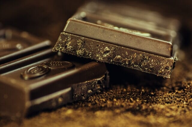 Dark chocolate and red wine for age prevention